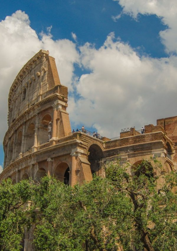 Visiting the Colosseum – a complete and easy guide: tips, tricks + FAQ