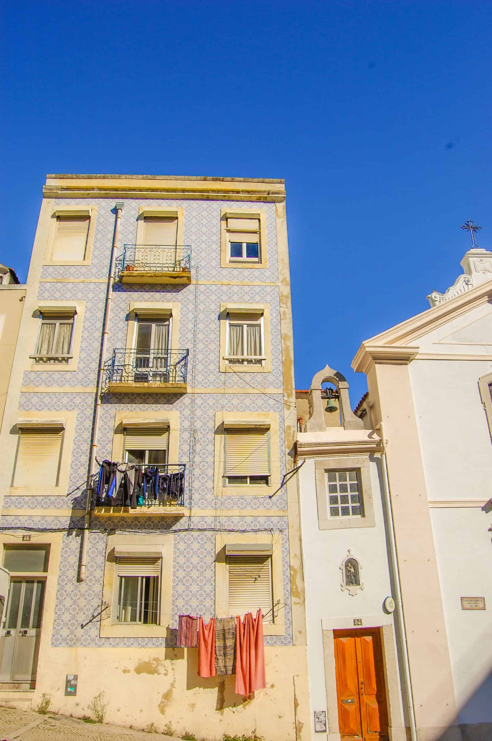 How to spend 4 days in Lisbon, Lisbon colorful building