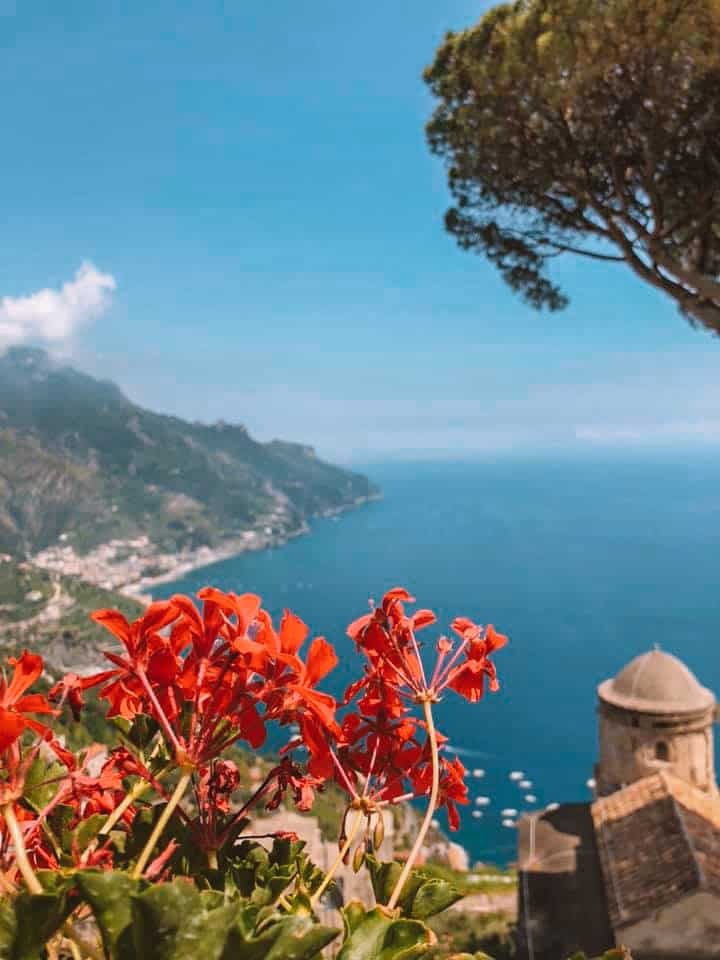 The most amazing Amalfi Coast Italy itinerary - this is the best Amalfi Coast guide you'll need for your Italy vacation. See why Positano, Amalfi, Atrani, Cetara, Ravello, are some of the most beautiful places in Italy, and how you can fit them all into your Italy trip on the Amalfi Coast. How to get on the Amalfi Coast, how to travel around on the Amalfi Coast, best place to stay on the Amalfi Coast, and much more. #italyvacation #travel #amalficoast