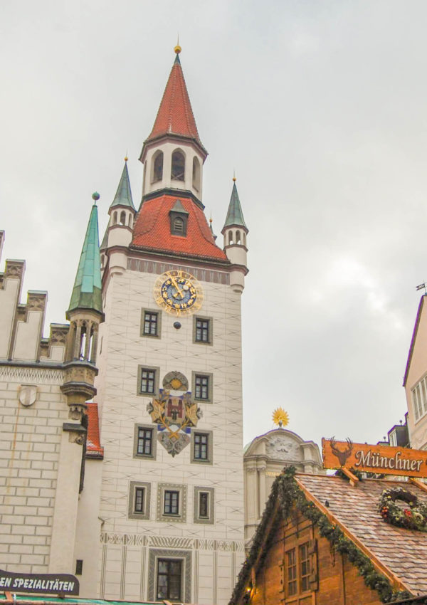 One day in Munich itinerary – pretty buildings and pretzels
