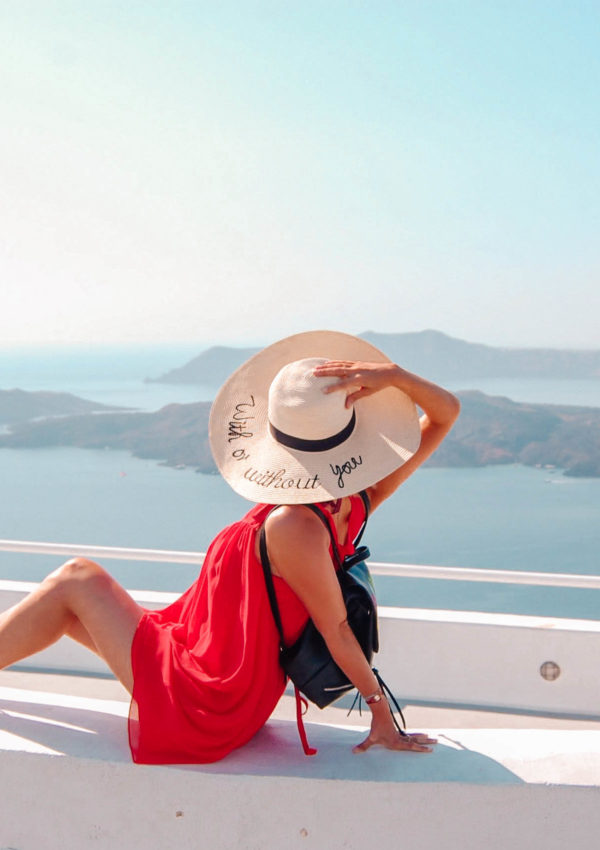 What to wear in Santorini – travel essential tips