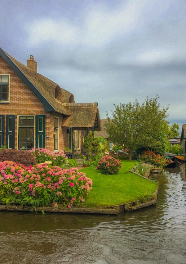 Amsterdam to Giethoorn, the day trip you must take!