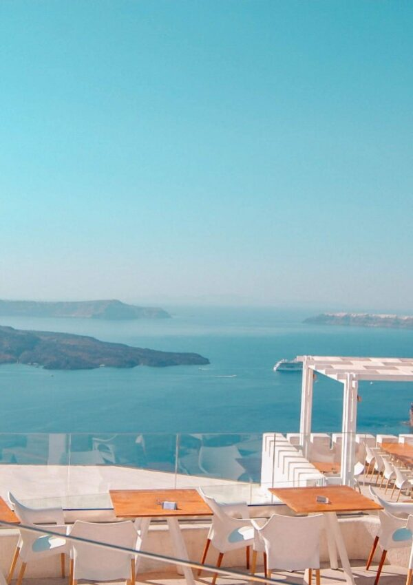 A dream list of the best options for Airbnb in Oia, Santorini