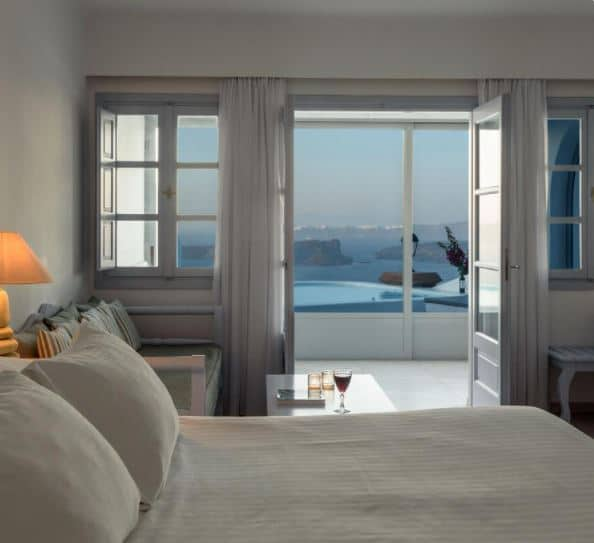 where to stay in Santorini for couples